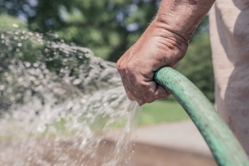 garden hose spraying